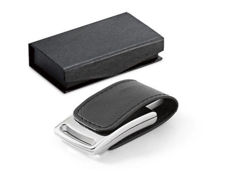 Eleganza e classe con la pendrive USB in acciaio lucido e similpelle